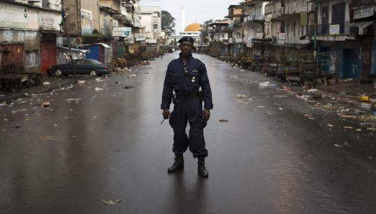 Toque de queda: 72 horas sin salir de casa en Sierra Leona por el ébola