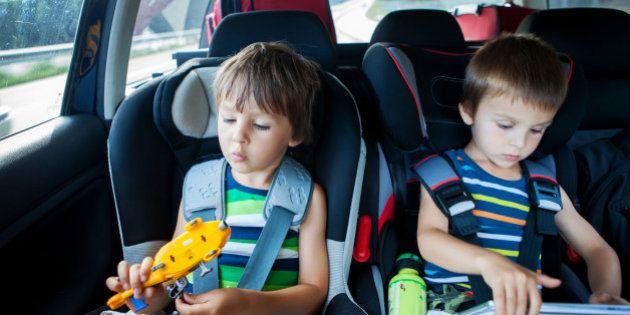 ¿Son seguras las sillas infantiles a favor de la marcha? Una petición en Change abre el