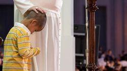 El niño que ocupó la silla del papa Francisco
