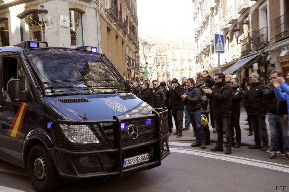 Policías de Madrid insultan al concejal de Seguridad y golpean su coche tras una