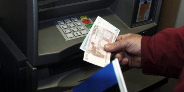 Un ataque informático provoca que cajeros expulsen billetes sin