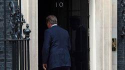 La cantarina despedida de Cameron de la primera línea política:
