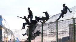 Cientos de inmigrantes intentan entrar en