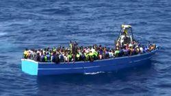 Un barco con cientos de personas naufraga en el