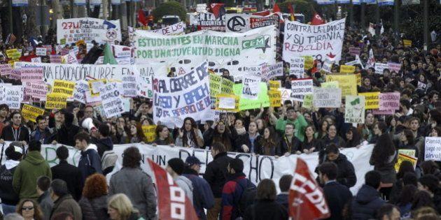 Miles de estudiantes salen a la calle para pedir la dimisión de Wert