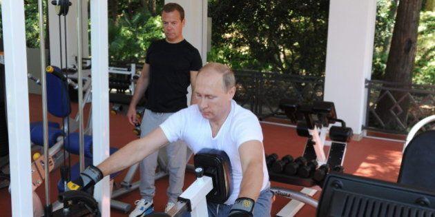 Putin y Medvedev, de pesas y