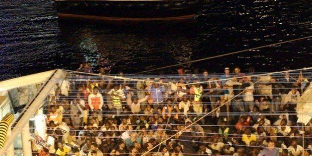 Mueren 37 inmigrantes al hundirse su embarcación en las costas