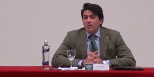 Miembros de Podemos rescatan este vídeo machista del alcalde de