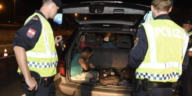 Austria halla 200 refugiados ocultos y detiene a cinco traficantes en una operación de control