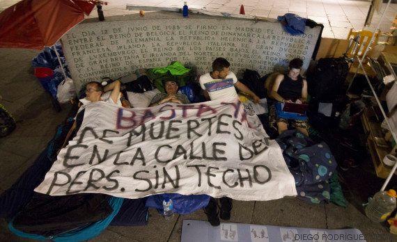 Entre cartones y sueños: la realidad de los sin techo en