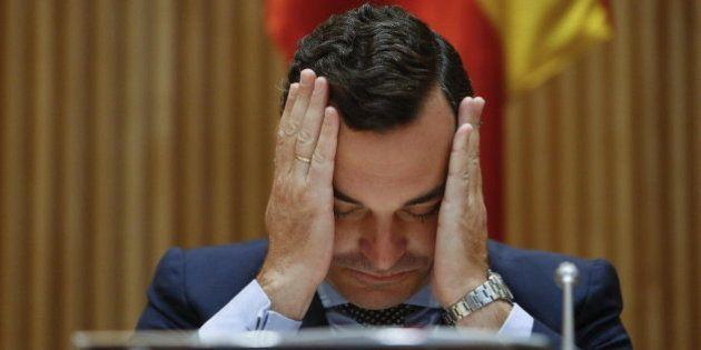 Leopoldo González-Echenique, presidente de RTVE, dimite al no lograr financiación del