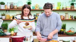 Por qué animar a los padres a cocinar con sus hijos ayuda a las