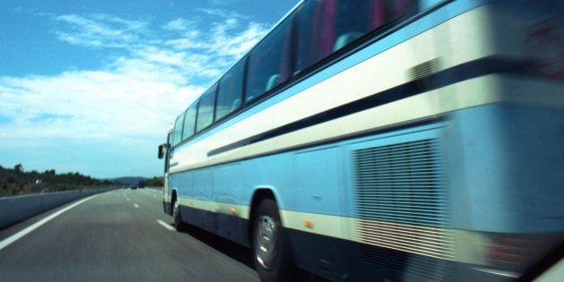 Tres personas mueren en el secuestro de un autobús en