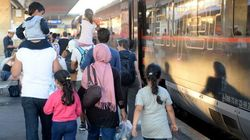 1.800 refugiados llegan a Hungría y otros 3.650 cruzan Austria hacia