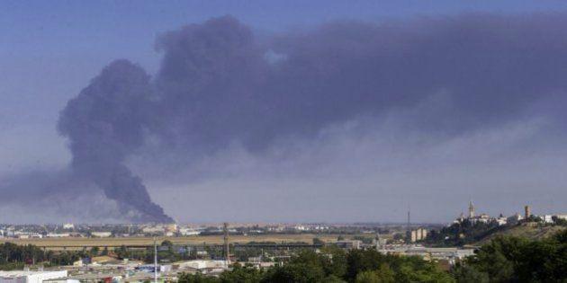 Arde la fábrica de aceite del Grupo Ybarra en Dos Hermanas