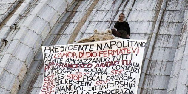 Marcello di Finizio: lleva desde el sábado encaramado a la cúpula de San Pedro para protestar