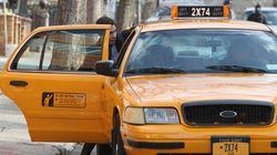 En ocasiones así viajar en taxi te puede alegrar el