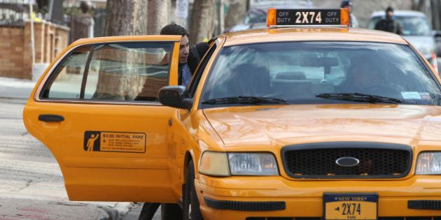 Tesoros olvidados que los taxistas devuelven a sus dueños