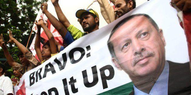 Erdogan aprovecha el golpe de Estado para defender la aprobación de la pena de