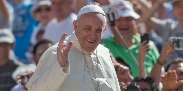 El Papa permite a los sacerdotes absolver del pecado del
