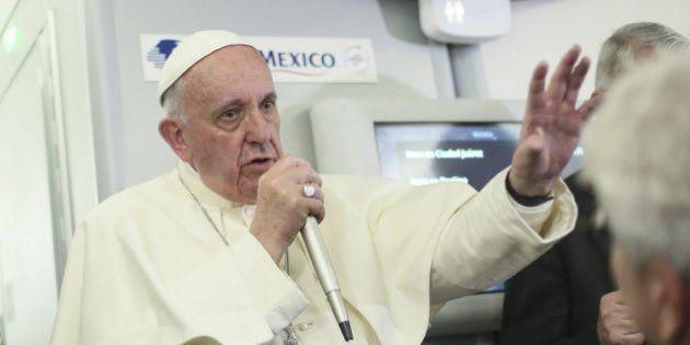 El papa ve como un 'mal menor' el uso de anticonceptivos para luchar contra el