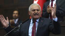 Turquía suspende a 15.000 funcionarios del Ministerio de