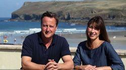 Cameron protesta por unas fotos cambiándose de bañador con la toalla de Mickey