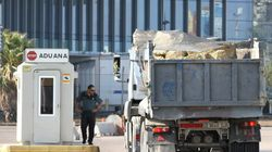 El Gobierno prohíbe el paso de camiones con piedras a