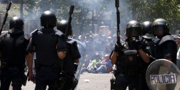 La manifestación contra los recortes a las ayuda del carbón acaba con cargas policiales y
