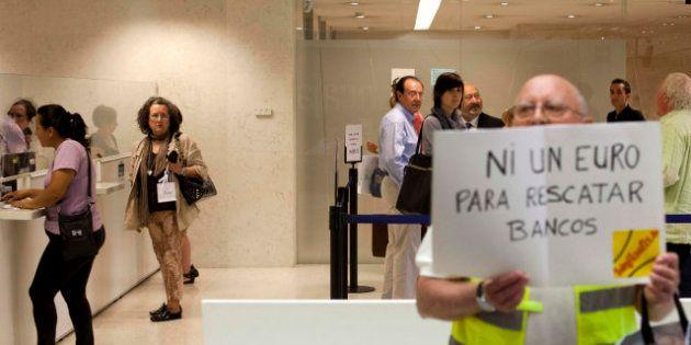 Bankia: Los Yayoflautas Se Organizan Y Toman Sucursales En Toda