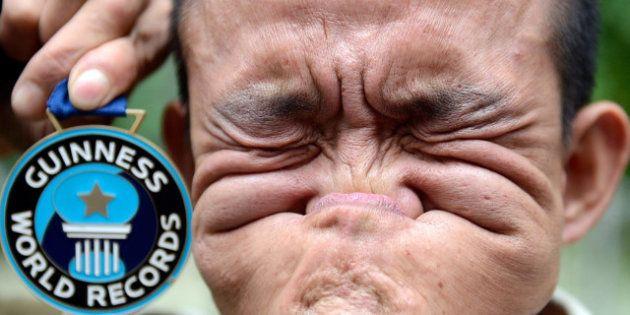 Récord Guinness: el hombre que mejor se muerde la nariz y otras rarezas