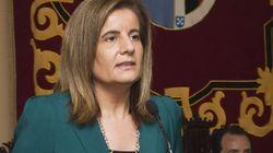 La ministra Báñez se encomienda a la Virgen del Rocío 'para la salida de la