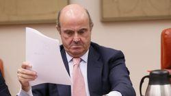 Guindos defiende el nombramiento de Soria y la oposición pide su