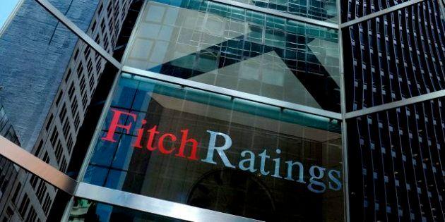 Fitch rebaja tres escalones la nota de España y la deja a dos pasos del 'bono
