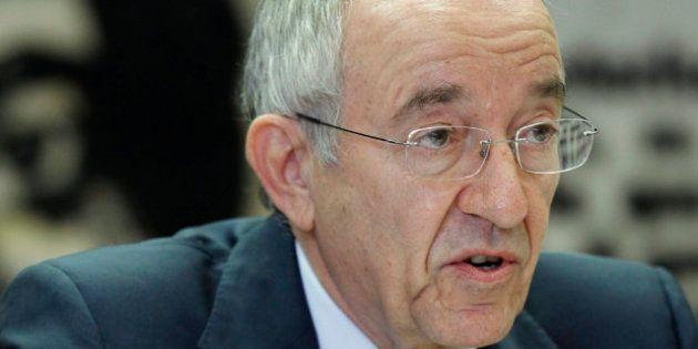 El gobernador del Banco de España, Miguel Ángel Fernández Ordóñez, ganó 176.000 euros brutos en