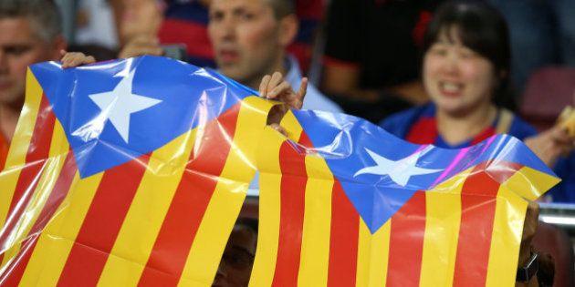 El Camp Nou protesta contra las multas por esteladas... con más