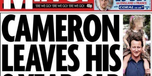 El primer ministro británico, David Cámeron, olvida a su hija en un