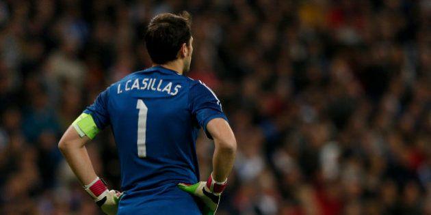 Iker Casillas deja el Real Madrid y ficha por el