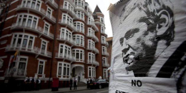 La pequeña habitación mal ventilada donde vive Julian Assange en la Embajada de Ecuador en Londres