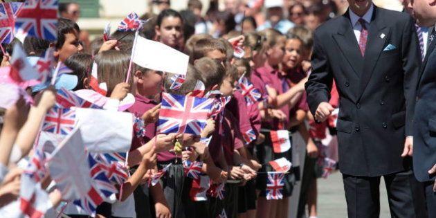 Visita del príncipe Eduardo a Gibraltar: miles de gibraltareños le reciben