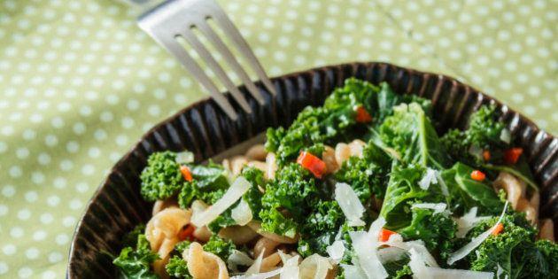 Consejos para comer fuera de casa: cómo hacerlo y no