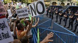 'Barbacoa de chorizos': Protestas ante las sedes del PP