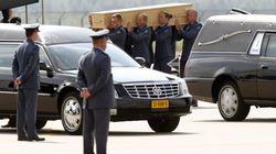 El último avión con víctimas del vuelo MH17 llega a Holanda