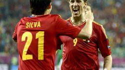 España golea y es líder de grupo