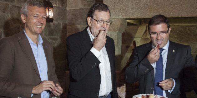 Rajoy elude pronunciarse sobre Barberá y es recibido entre gritos de