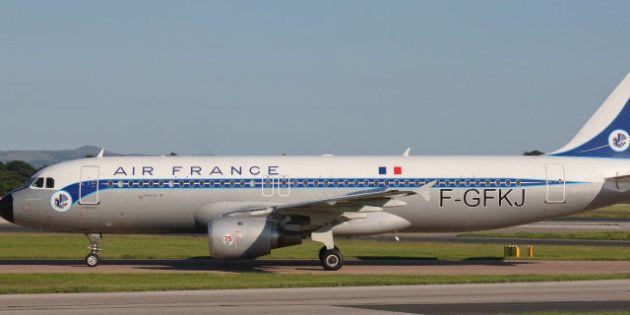 Air France hace una colecta entre sus pasajeros para poder repostar tras desviarse uno de sus aviones...