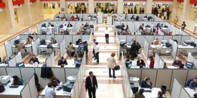 El Gobierno planea aumentar las horas a los funcionarios y reducir sus