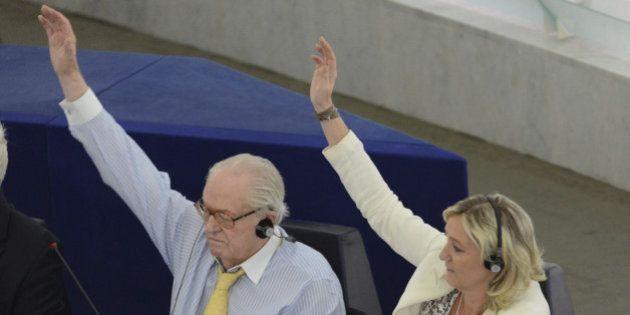 Solo el ultraderechista Le Pen apoya en Francia la ley del aborto de