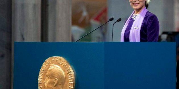 Aung San Suu Kyi recoge su Nobel 21 años