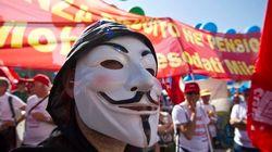 Protesta multitudinaria en Italia mientras Monti ve cerca un